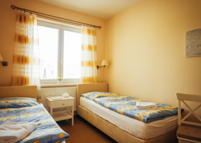 Room 10f
